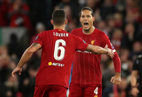Hòa Napoli, Liverpool lỡ chuyến tàu vào vòng 16 đội - Ảnh 1.
