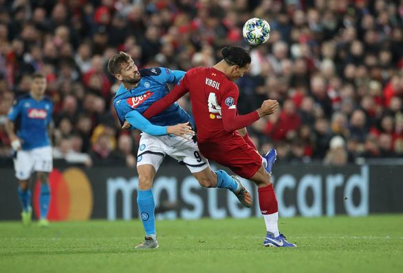 Hòa Napoli, Liverpool lỡ chuyến tàu vào vòng 16 đội - Ảnh 2.