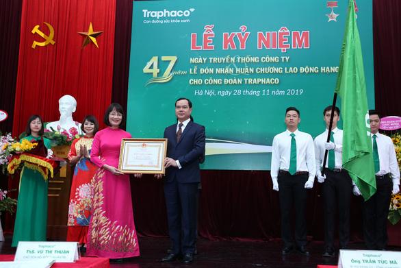 Traphaco nhận Huân chương Lao động hạng nhất và giải thưởng Doanh nghiệp bền vững - Ảnh 1.
