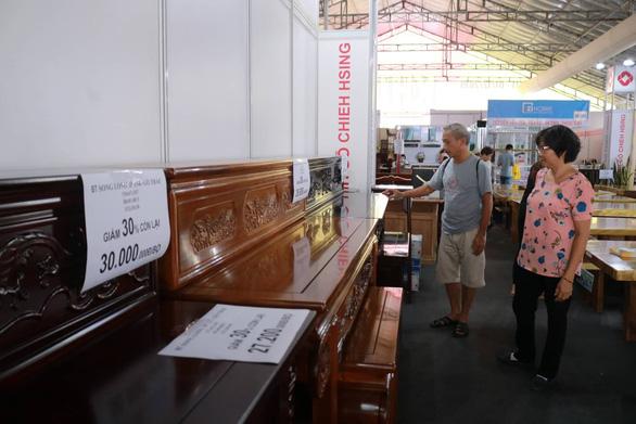 Hội chợ nội thất giảm giá kịch sàn, đón cao điểm Black Friday - Ảnh 2.