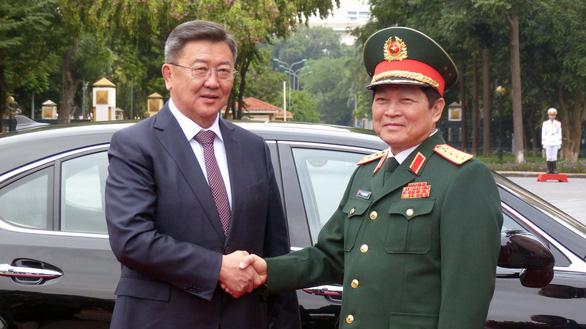 Việt Nam - Mông Cổ ký thỏa thuận hợp tác về quốc phòng - Ảnh 1.