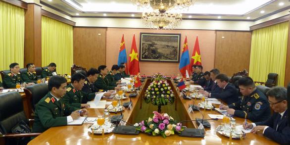 Việt Nam - Mông Cổ ký thỏa thuận hợp tác về quốc phòng - Ảnh 3.