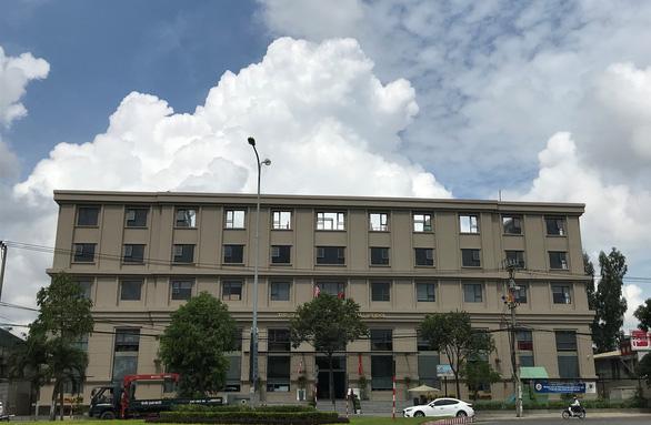 Đà Nẵng yêu cầu Trường St. Nicholas bỏ chữ quốc tế trên bảng tên - Ảnh 2.