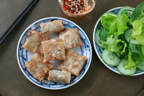 Đổi món cho cỗ tết với chả ram miền Trung - Ảnh 2.
