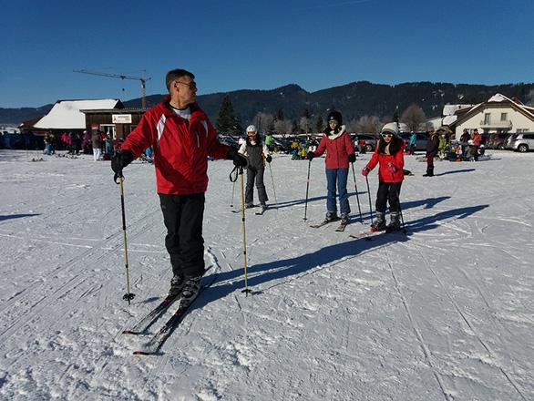 Thụy Sĩ, Ý: Lễ hội hóa trang, trượt tuyết từ 17.290.000 đồng - Ảnh 2.