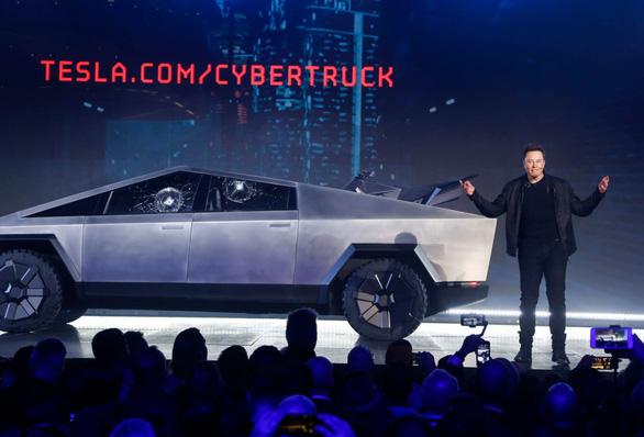 Hài hước Pepsi, Lego ăn theo sự cố Cybertruck của Tesla - Ảnh 1.