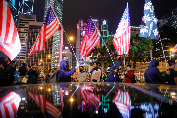 Người Hong Kong xuống đường vào Lễ Tạ ơn, tỏ lòng cảm kích Mỹ - Ảnh 4.