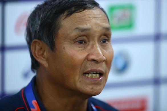HLV tuyển nữ Việt Nam Mai Đức Chung: Đấu với Indonesia chỉ như đấu tập - Ảnh 1.