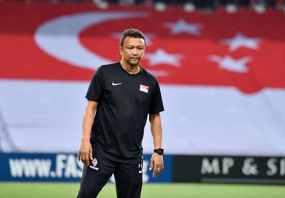 HLV U22 Singapore: Cầu thủ của tôi phải đi làm, đi học và chỉ tập vào tối muộn - Ảnh 1.