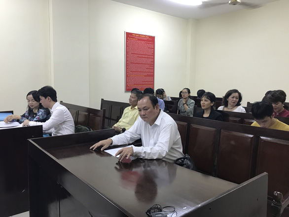 Hoãn xử vụ ca sĩ Đàm Vĩnh Hưng bị kiện - Ảnh 3.