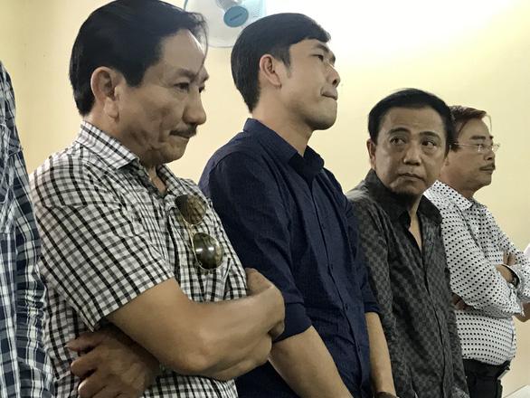 Đánh bài ăn tiền, nghệ sĩ hài Hồng Tơ bị phạt 50 triệu đồng - Ảnh 1.