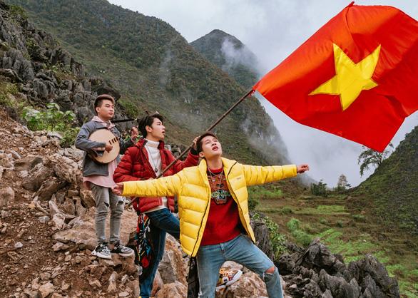 Bộ đôi K-ICM và Jack tung MV Việt Nam tôi cổ vũ các tuyển thủ Việt Nam - Ảnh 2.