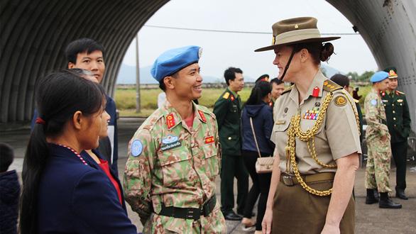 Nữ tùy viên quốc phòng Úc: Tôi có duyên sâu sắc với Việt Nam - Ảnh 2.