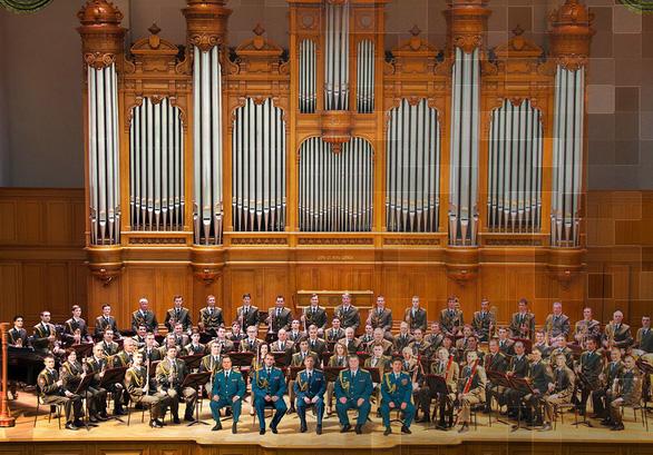 Dàn nhạc Lực lượng vệ binh quốc gia Nga lần đầu tiên biểu diễn tại Việt Nam - Ảnh 1.