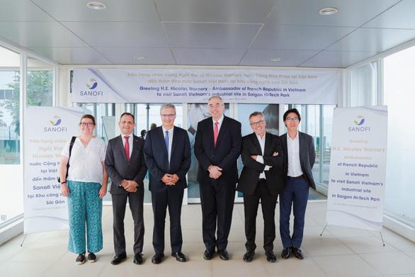Tân Đại sứ Pháp đến thăm nhà máy Sanofi Việt Nam - Ảnh 1.