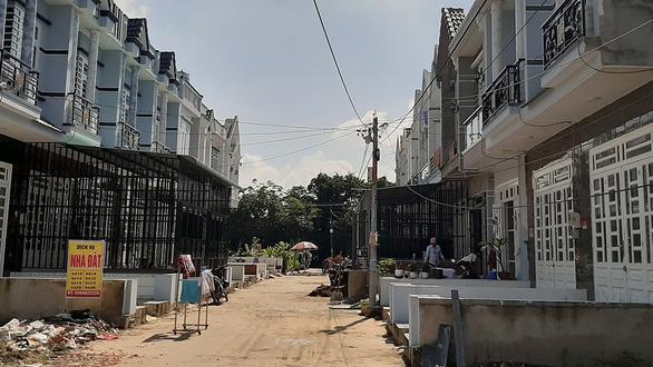2.200 căn nhà sở hữu chung ở TP.HCM được cấp phép dễ có tranh chấp - Ảnh 1.