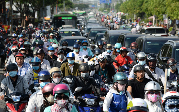 Xây thêm cầu, cứu Nam Sài Gòn - Ảnh 1.