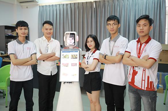 Nhóm nghiên cứu AI của ĐH Duy Tân chế tạo robot phục vụ - Ảnh 3.