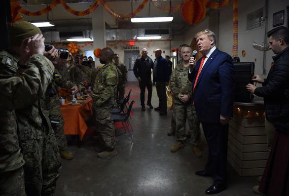 Hậu cần Mỹ tung đủ chiêu trò đánh lừa để đưa ông Trump đi Afghanistan - Ảnh 9.