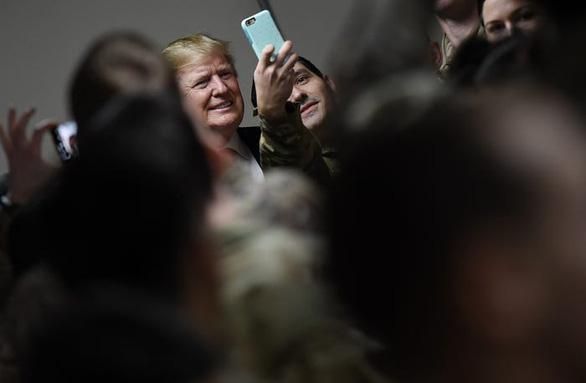 Hậu cần Mỹ tung đủ chiêu trò đánh lừa để đưa ông Trump đi Afghanistan - Ảnh 10.