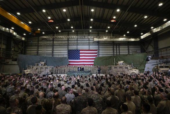 Hậu cần Mỹ tung đủ chiêu trò đánh lừa để đưa ông Trump đi Afghanistan - Ảnh 12.