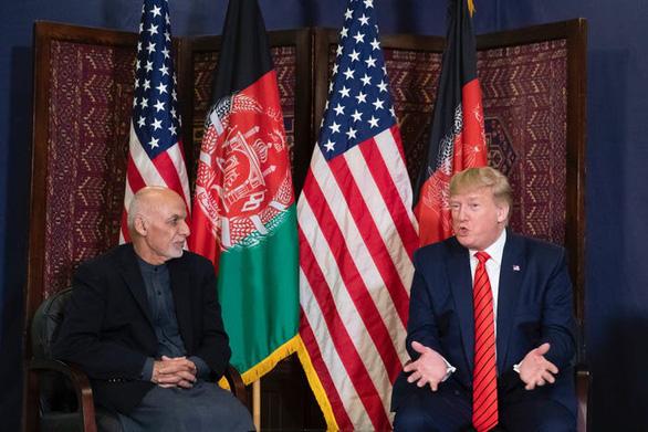 Hậu cần Mỹ tung đủ chiêu trò đánh lừa để đưa ông Trump đi Afghanistan - Ảnh 13.