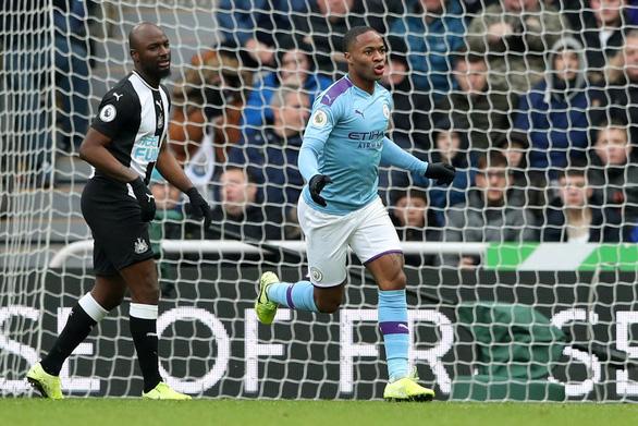 Gặp Newcastle, Manchester City chỉ có được 1 điểm sau 2 lần dẫn bàn - Ảnh 1.