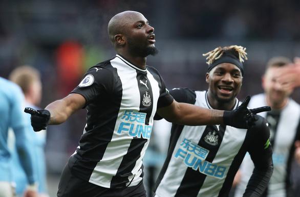 Gặp Newcastle, Manchester City chỉ có được 1 điểm sau 2 lần dẫn bàn - Ảnh 2.