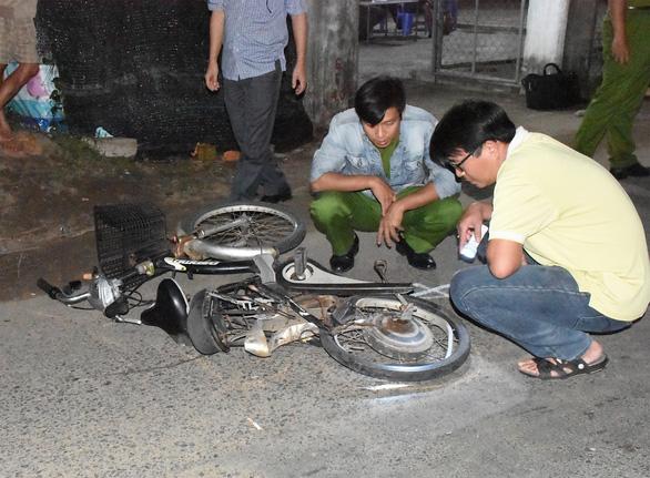 Tài xế xe bán tải nghi có bia rượu gây tai nạn thảm khốc, 4 người chết, 3 nguy kịch - Ảnh 8.