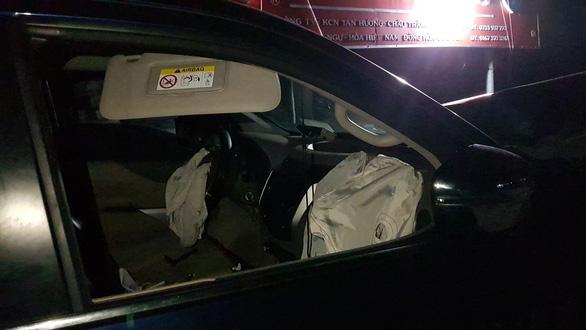 Tài xế xe bán tải nghi có bia rượu gây tai nạn thảm khốc, 4 người chết, 3 nguy kịch - Ảnh 7.