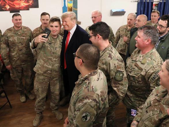 Hậu cần Mỹ tung đủ chiêu trò đánh lừa để đưa ông Trump đi Afghanistan - Ảnh 4.