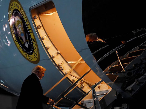Hậu cần Mỹ tung đủ chiêu trò đánh lừa để đưa ông Trump đi Afghanistan - Ảnh 6.