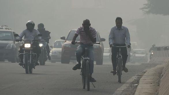 Bom sex Pamela chỉ cho thủ tướng Ấn Độ cách giải quyết ô nhiễm - Ảnh 2.