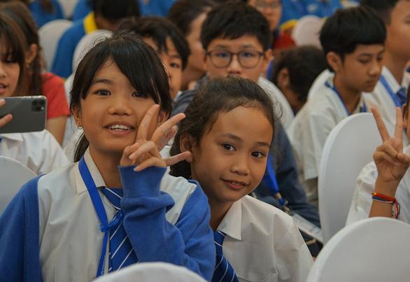 Việt Nam giành 15 HCV tại kỳ thi Olympic toán học và khoa học quốc tế 2019 - Ảnh 3.