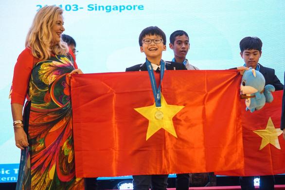 Việt Nam giành 15 HCV tại kỳ thi Olympic toán học và khoa học quốc tế 2019 - Ảnh 2.