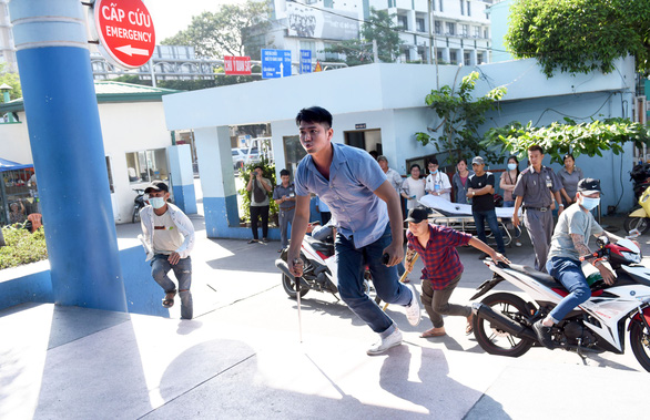 15 phút hóa giải 2 nhóm giang hồ truy sát nhau trong Bệnh viện Gia Định - Ảnh 4.