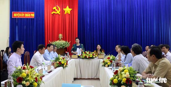 Chủ tịch Quốc hội thăm vùng nuôi cá tra công nghệ cao lớn nhất An Giang - Ảnh 2.