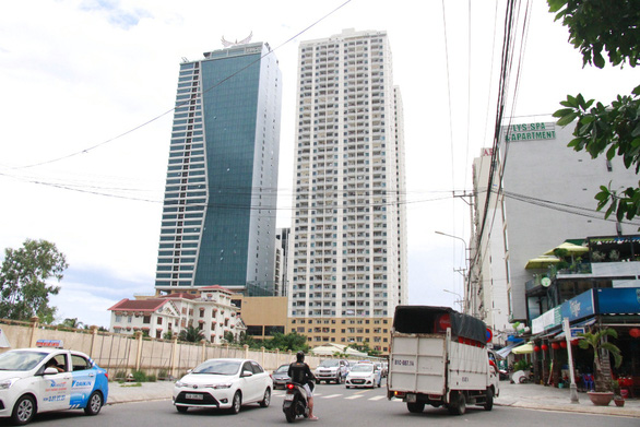 Tháo dỡ công trình vi phạm của Mường Thanh Đà Nẵng từ tháng 2-2020 - Ảnh 1.