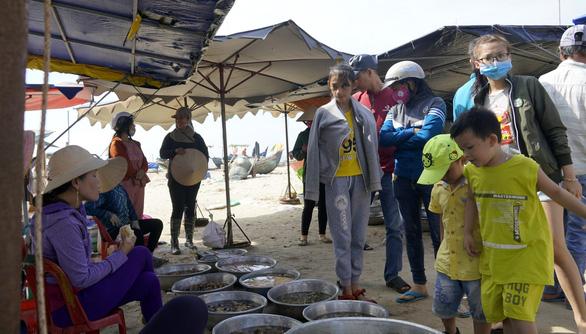 Bà Rịa - Vũng Tàu thu hồi đất dự án, trả lại bãi biển cho ngư dân và cộng đồng - Ảnh 1.