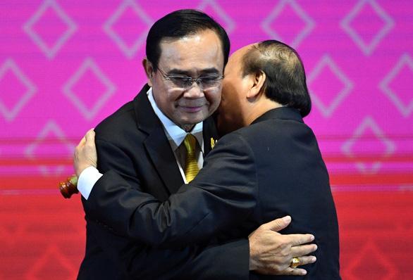 Việt Nam nhận vai trò chủ tịch ASEAN 2020 - Ảnh 2.