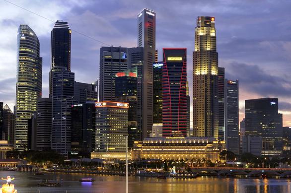Do biểu tình, 4 tỉ đô chảy vào Singapore thay vì Hong Kong - Ảnh 1.