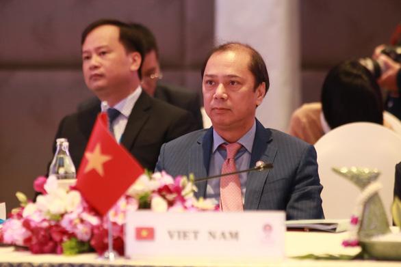 Việt Nam chất vấn Trung Quốc trong hội nghị ASEAN - Ảnh 1.