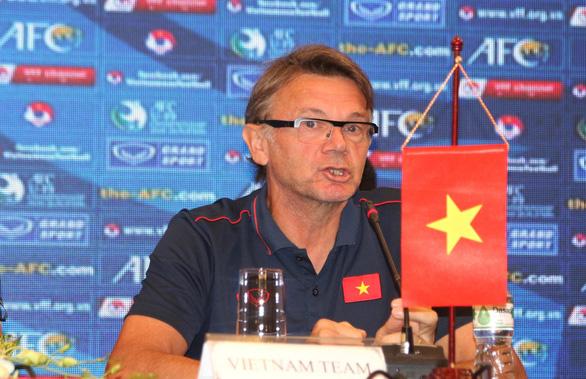 HLV Philippe Troussier: 'U19 Việt Nam đủ sức đá sòng phẳng với Hàn Quốc, Nhật Bản' - Ảnh 2.