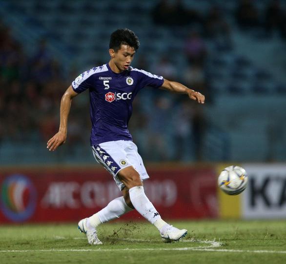 Không phải Văn Quyết, Quang Hải là cầu thủ xuất sắc nhất V-League 2019 - Ảnh 2.