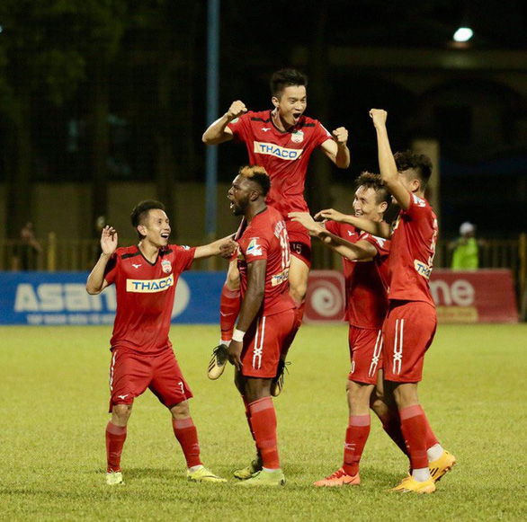 Không phải Văn Quyết, Quang Hải là cầu thủ xuất sắc nhất V-League 2019 - Ảnh 3.