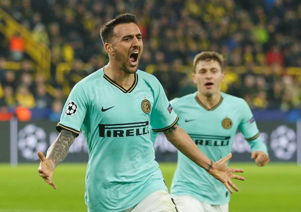 Thua ngược Dortmund sau khi dẫn 2-0, Inter lâm nguy - Ảnh 1.