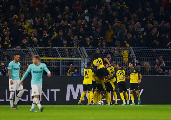 Thua ngược Dortmund sau khi dẫn 2-0, Inter lâm nguy - Ảnh 2.