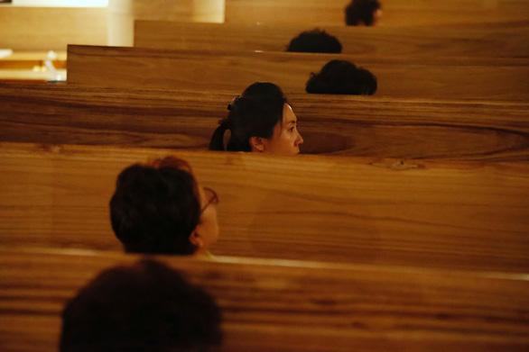 Người Hàn Quốc làm tang lễ giả để sống tốt hơn - Ảnh 6.