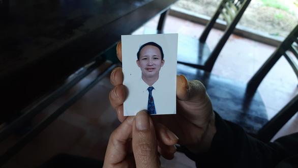 Con xuất ngoại rồi biệt tích, mẹ khóc cạn nước mắt suốt 3 tháng - Ảnh 2.