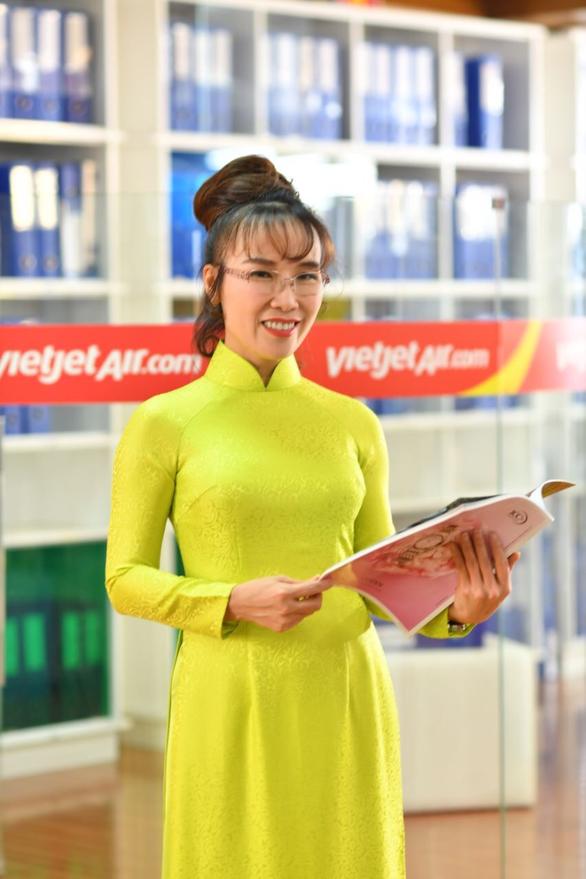 Bà Nguyễn Thị Phương Thảo nhận giải CEO ngành hàng không năm 2019 - Ảnh 2.